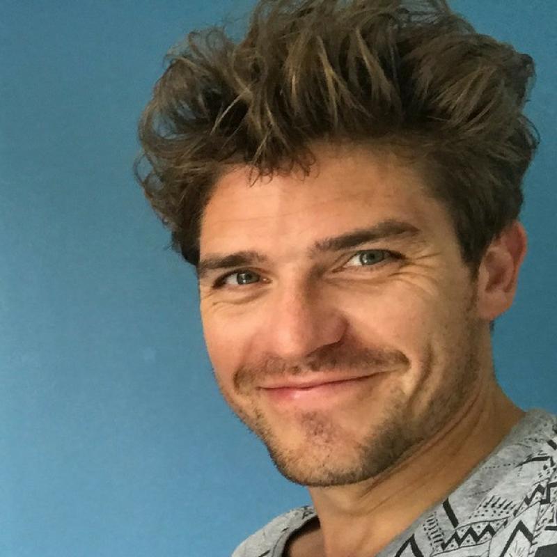 Prof de yoga, masseur ayurvédique francophone et anglophone à Cracovie